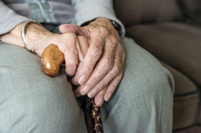 8 июня пенсионер вышел из своего дома в Дзержинском районе и дор сих пор не вернулся.