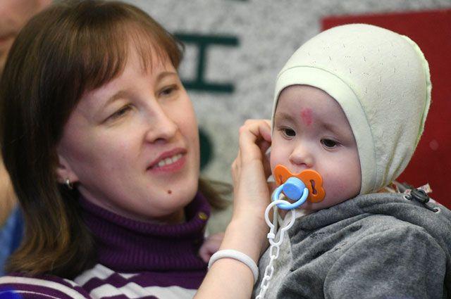 Ваня Фокин с мамой.