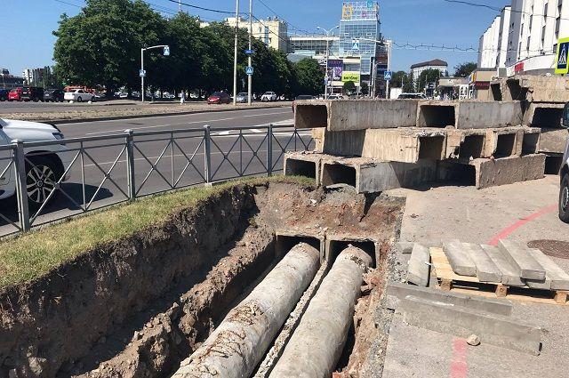 В центре Калининграда меняют теплотрассу, проложенную более полувека назад