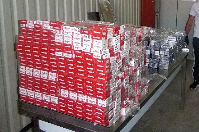 На таможне Советска нашли более 2 тысяч пачек сигарет отправлявшихся в Литву