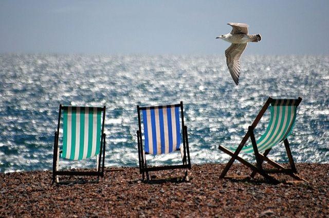 Солнечные ванны и водные процедуры следует принимать дозировано.