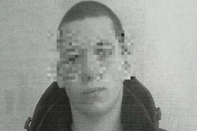 20 июня полицейские заметили юношу около магазина.