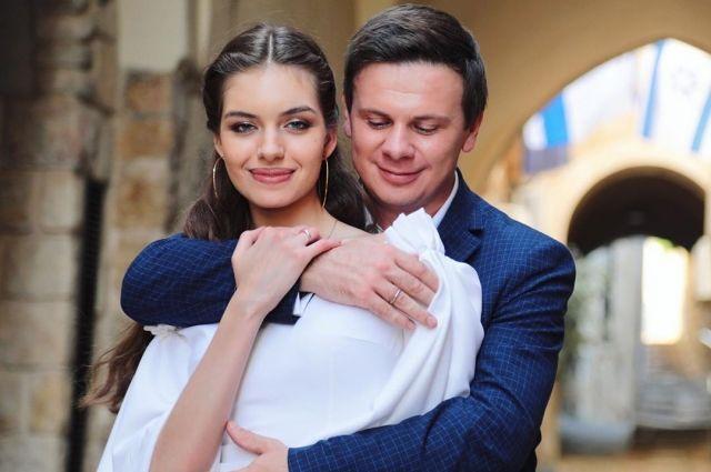 Дмитрий Комаров раскрыл подробности романа и свадьбы с Александрой Кучеренко