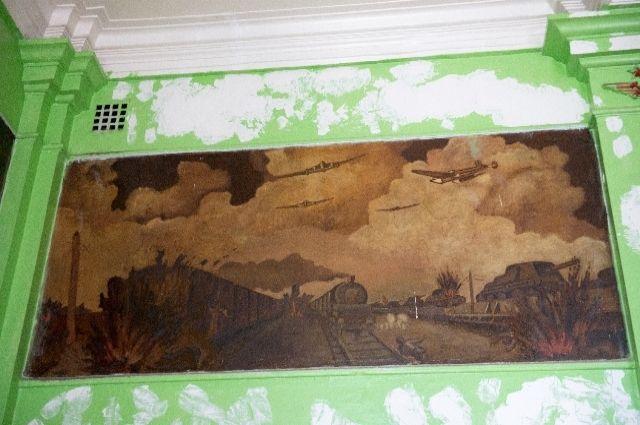 Лётчики «Нормандии – Неман» были в Смоленске, Орле, в Кёнигсберге, Литве, а такие рисунки оставили только у нас.