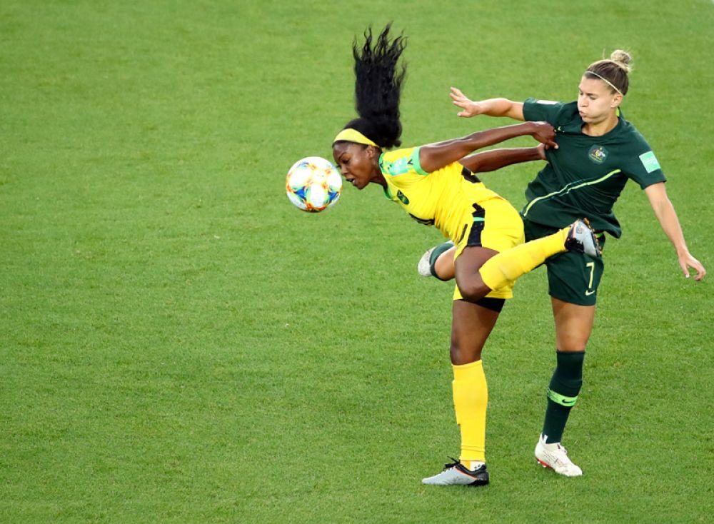 Чемпионат мира по футболу среди женщин. Момент матча Ямайка против Австралии.