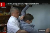 Главе Ширинского района не понравился вопрос журналиста и он повалил его на пол
