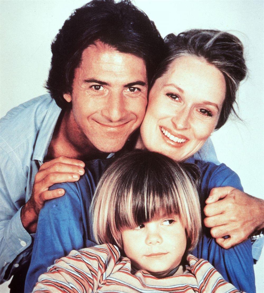 За роль дизайнера Джоанны Крамер, судящейся с мужем из-за пятилетнего ребенка, она получила первую статуэтку «Оскара».