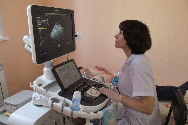 В больницы региона регулярно поступает новое оборудование. К примеру, юным пациентам Анжеро-Судженска больше не нужно ехать во взрослую поликлинику, чтобы пройти УЗИ.