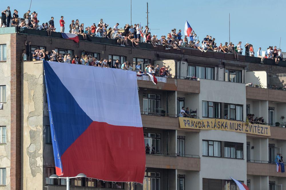 Акции, на которых протестующие требуют отставки премьера, проходят в Чехии в течение двух последних месяцев.