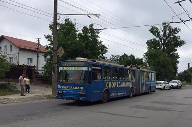 В Тернополе троллейбус переехал насмерть пенсионерку