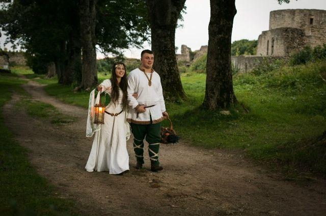 Эпоха Средневековья - особая любовь мастера.