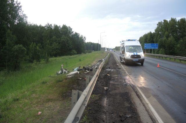 Следователи выясняют обстоятельства аварии.