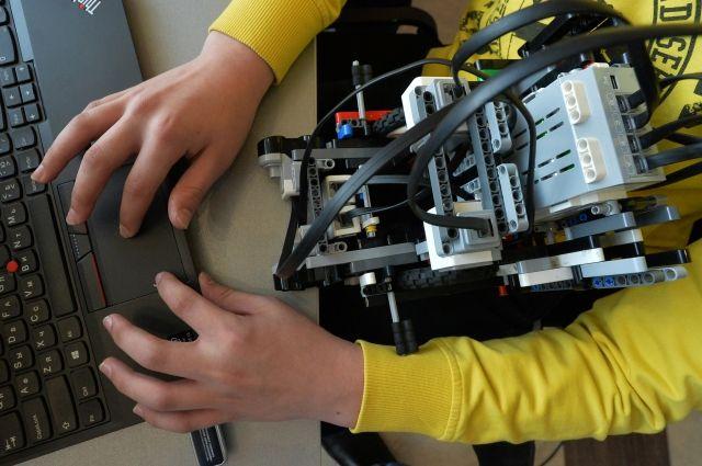 Москвичи победили на Всероссийской школьной робототехнической олимпиаде