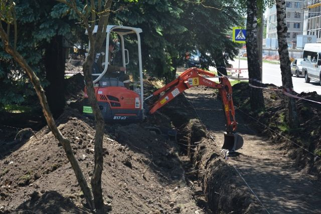 При обустройстве сквера на ул. 50 лет ВЛКСМ в Ставрополе мэрия пообещала деревья не трогать.