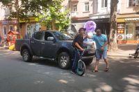 В Николаеве авто врезалось в подростка на велосипеде: водитель ударил парня