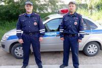 Сотрудники ГИБДД старший лейтенант полиции Сергей Лобанов и лейтенант полиции Василий Трефилов были на дежурстве.