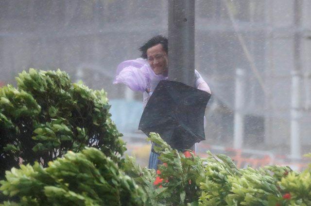 Тропический шторм обрушится на Японию.