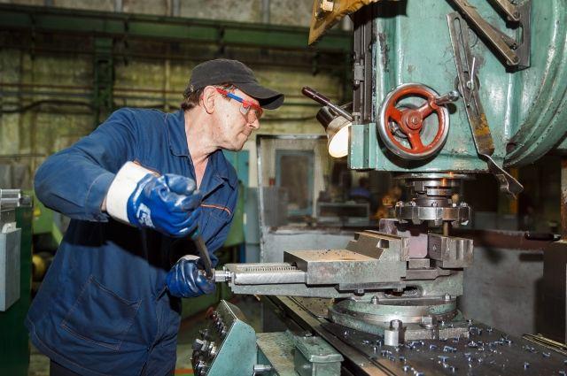 Работники показывали практические умения и теоретические знания по профессии.