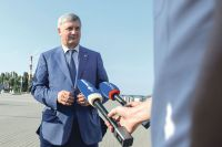 Губернатор Александр Гусев назвал будущий парк на Петровском острове новой точкой притяжения горожан и туристов.