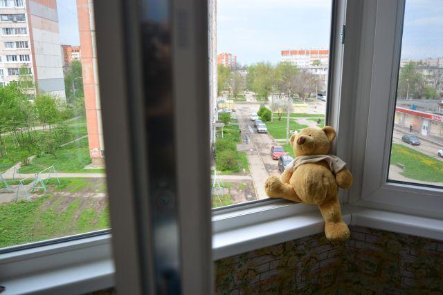Орчанин проведет 10 лет в колонии за то, что выбросил из окна девушку