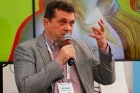 Глава Союза журналистов вручил награды легендам тюменских СМИ