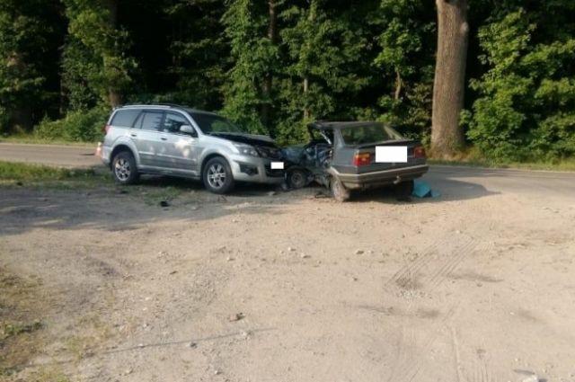 В ДТП в Гурьевском районе погиб водитель и пострадала пассажирка