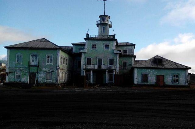 Старый порт Диксона, где бывал Виктор Конецкий.