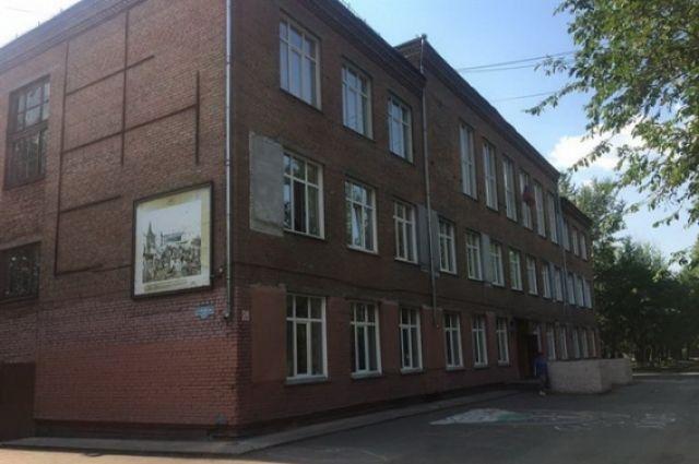 Здание было построено более 50 лет назад, проектная документация не сохранилась даже в архивах