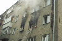 Женщине, спасенной пожарными из горящей квартиры, понадобилась медицинская помощь: ее доставили в медицинское учреждение.