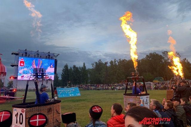 Вместо воздухоплавательного шоу на фестивале получилось огненное.