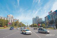 Работы по программе «Мой район» не останавливаются в Обручевском ни на день. В этом можно убедиться, прогулявшись по району или зайдя на сайт mos.ru.