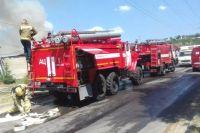 Тюменские пожарные больше трех часов тушили горящий жилой дом