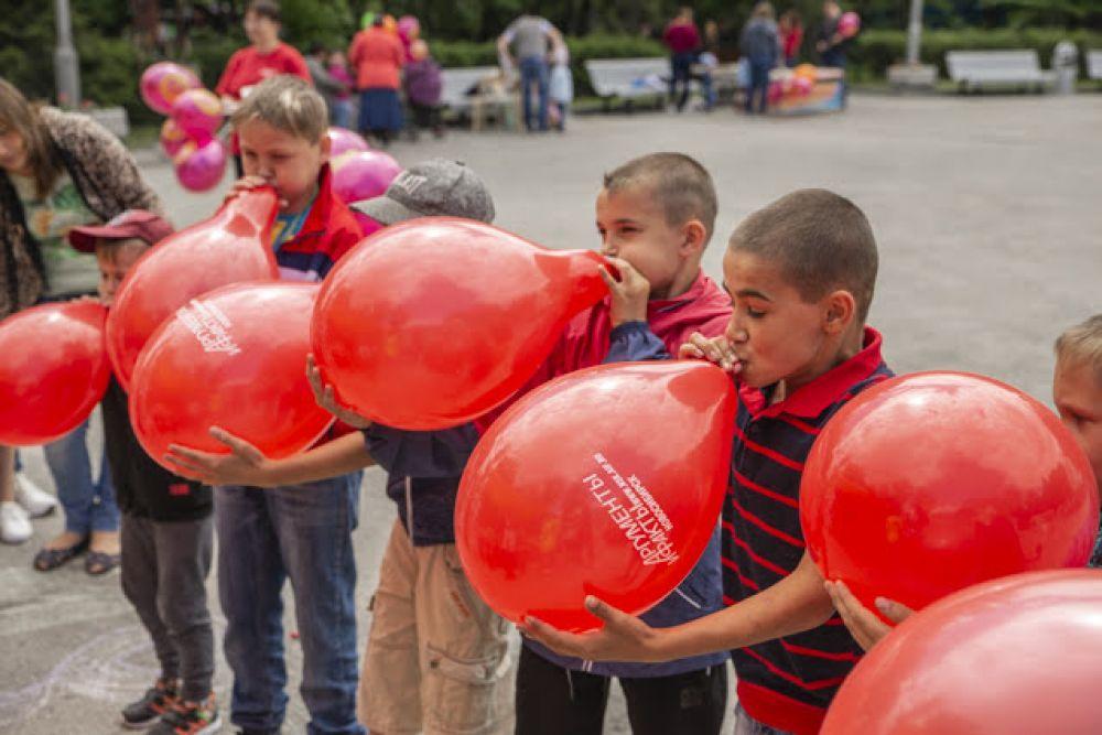 Невероятно, но факт: мальчики справились с заданием с шариками медленнее, чем девочки.