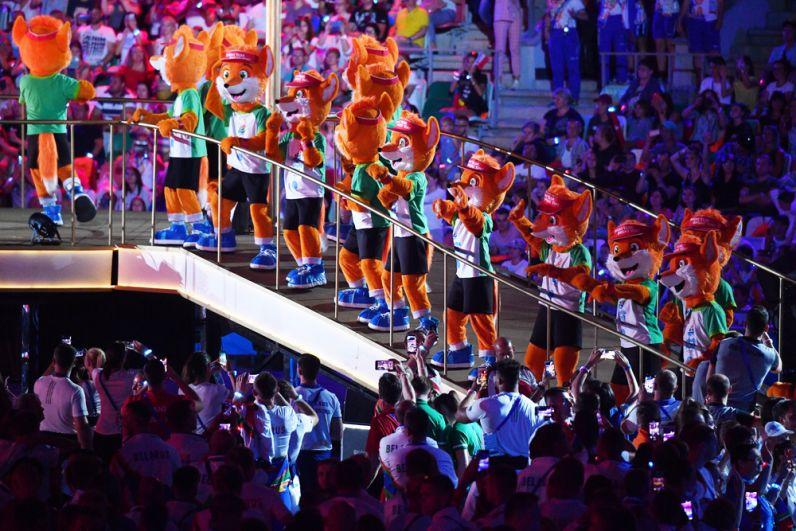 Талисман II Европейских игр 2019 года Лисенок Лесик на церемонии закрытия II Европейских игр в Минске.