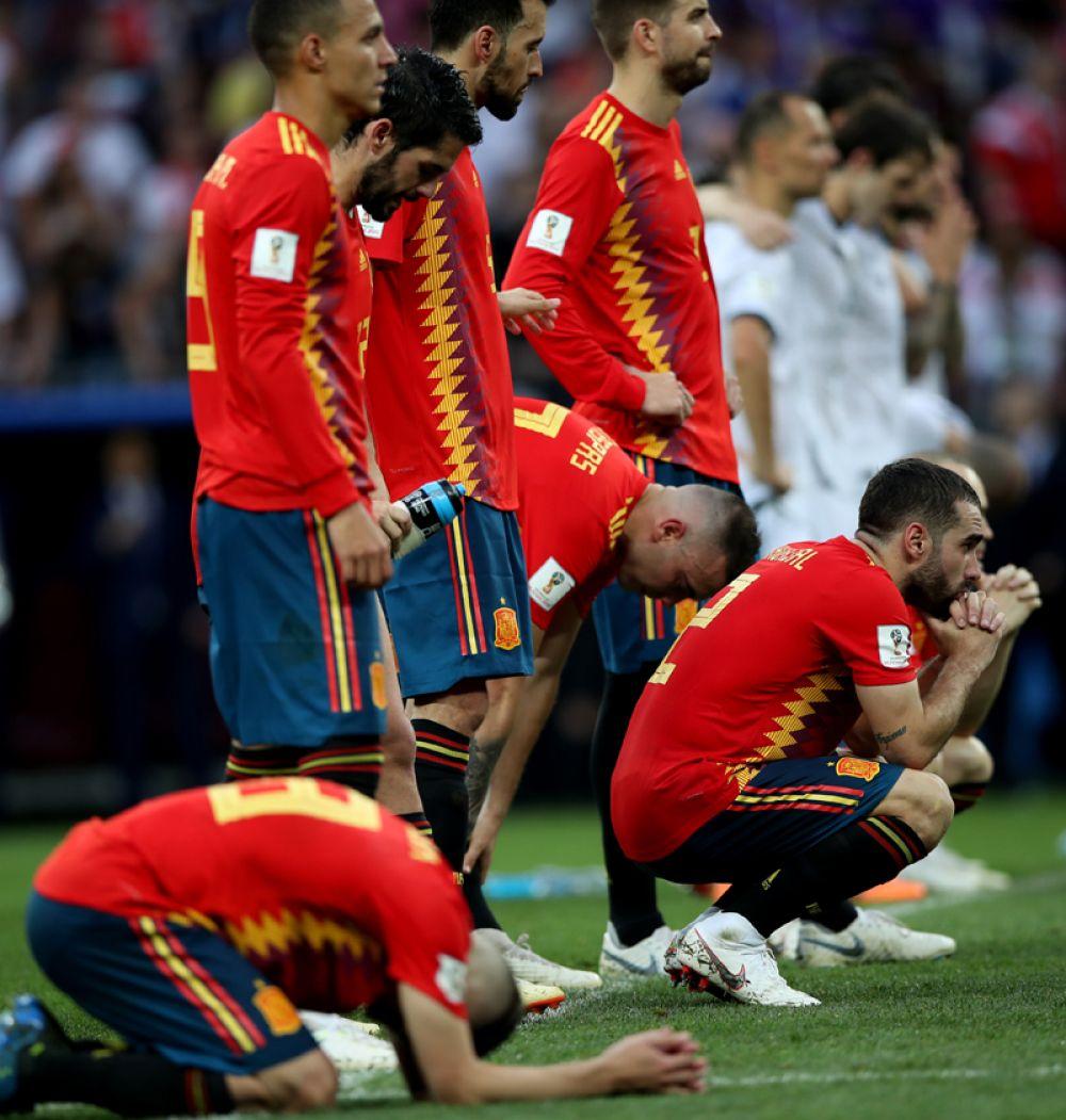 Игроки сборной Испании после проигрыша.