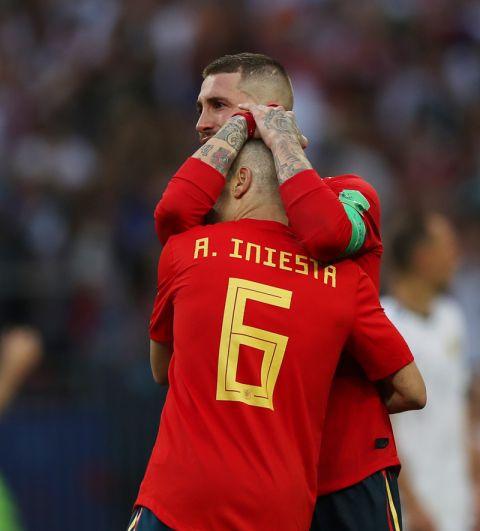 Слезы на глазах капитана сборной Испании Серхио Рамоса.