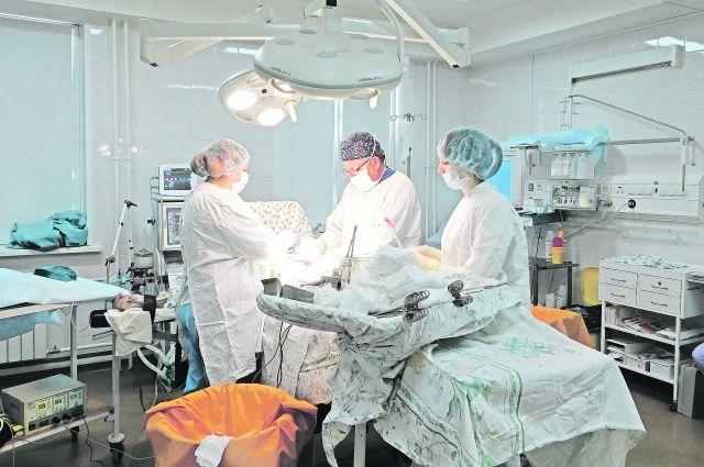 Операция длилась 4,5 часа. А уже через два часа пациент мог самостоятельно передвигаться.