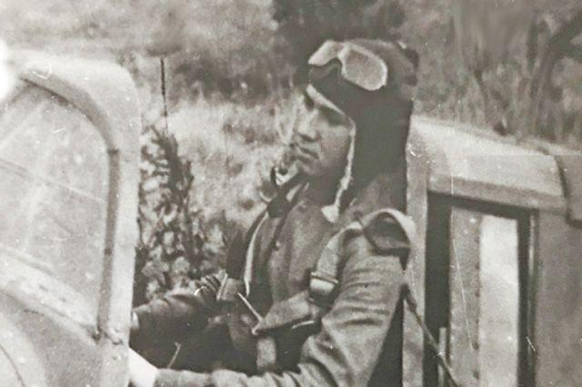 19-летний Николай Оловянников настажировке ваэроклубе.