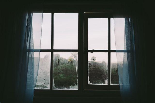 В Ижевске молодой человек погиб, выпав из окна седьмого этажа