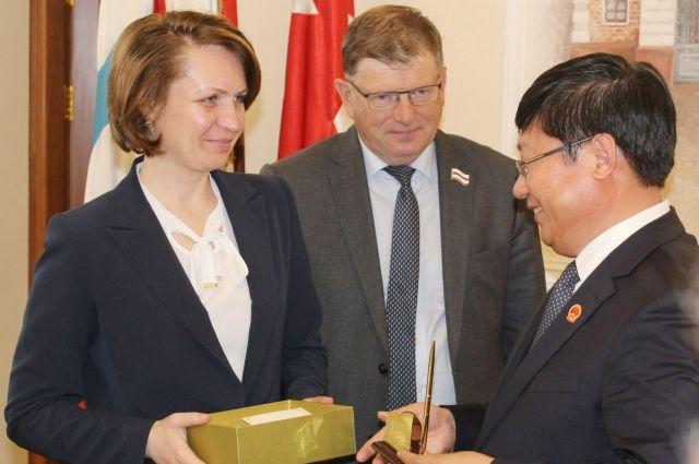 Обмен подарками - важный международный церемониал.