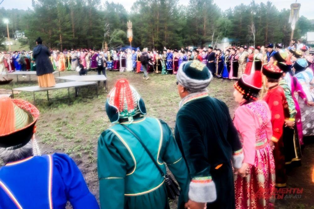 После основных конкурсных программ и мастер-классов состоялся масштабный ёхор-гранд, в котором приняли участие все зрители фестиваля.