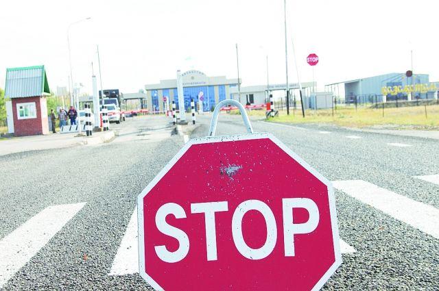 Пограничники не могут пользоваться информационными системами при проверке документов желающих пересечь границу.