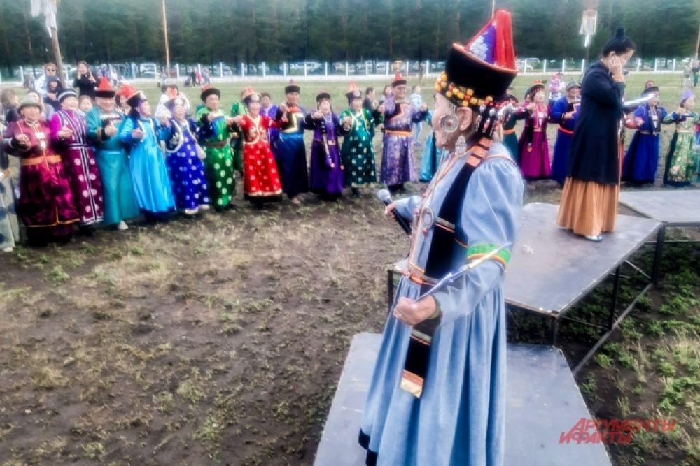 В конкурсной программе приняли участие 15 коллективов из разных районов Бурятии.