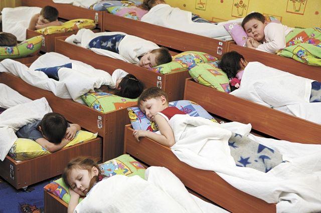 79 ребятишек в возрасте от 1,5 до 3 лет не обеспечены местами в яслях.