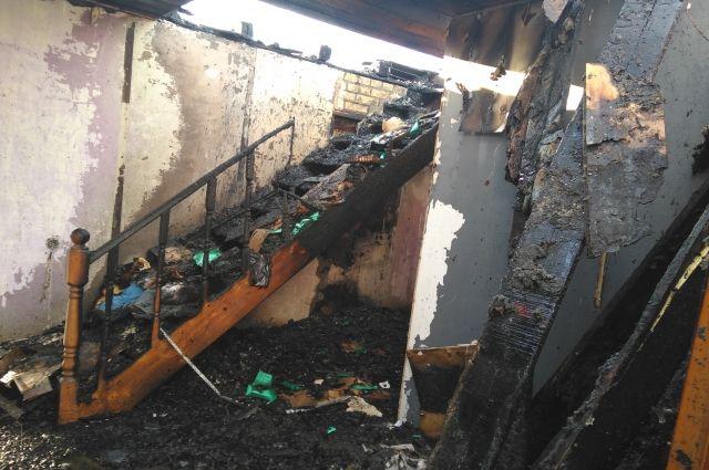 В Омской области от удара молнии сгорел дом