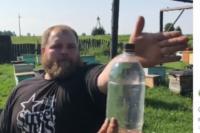 Чемпион по пощечинам решил присоединился к мировому флешмобу BottleCupChallenge