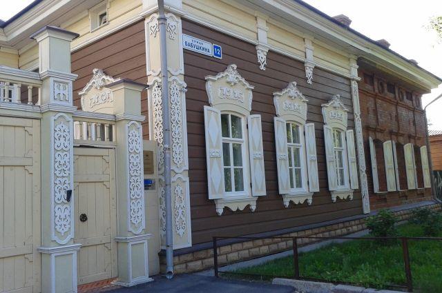 Иркутские реставраторы умеют успешно восстанавливать памятники архитектуры.