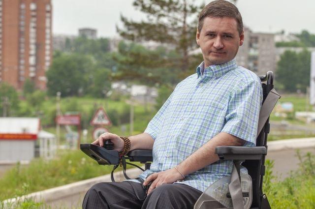 Дмитрий внимательно следит за организацией доступной среды  в северной столице региона.