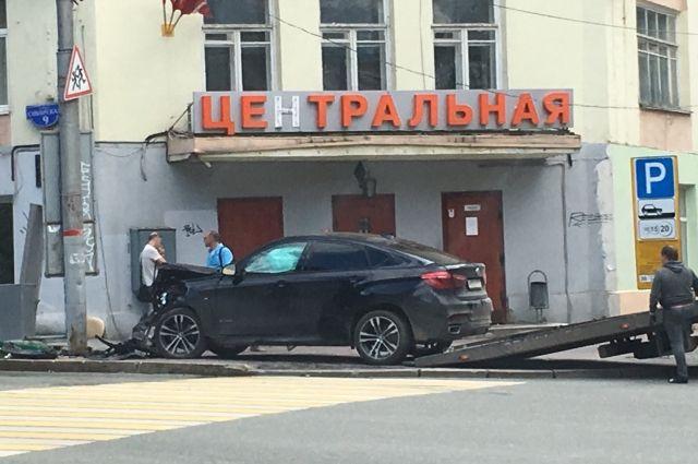 По предварительной информации водитель Kia не уступил дорогу BMW.