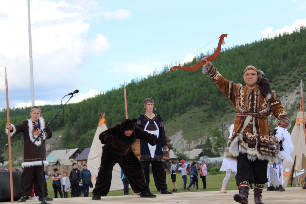 Завершился праздник красочным дефиле и этнодискотекой